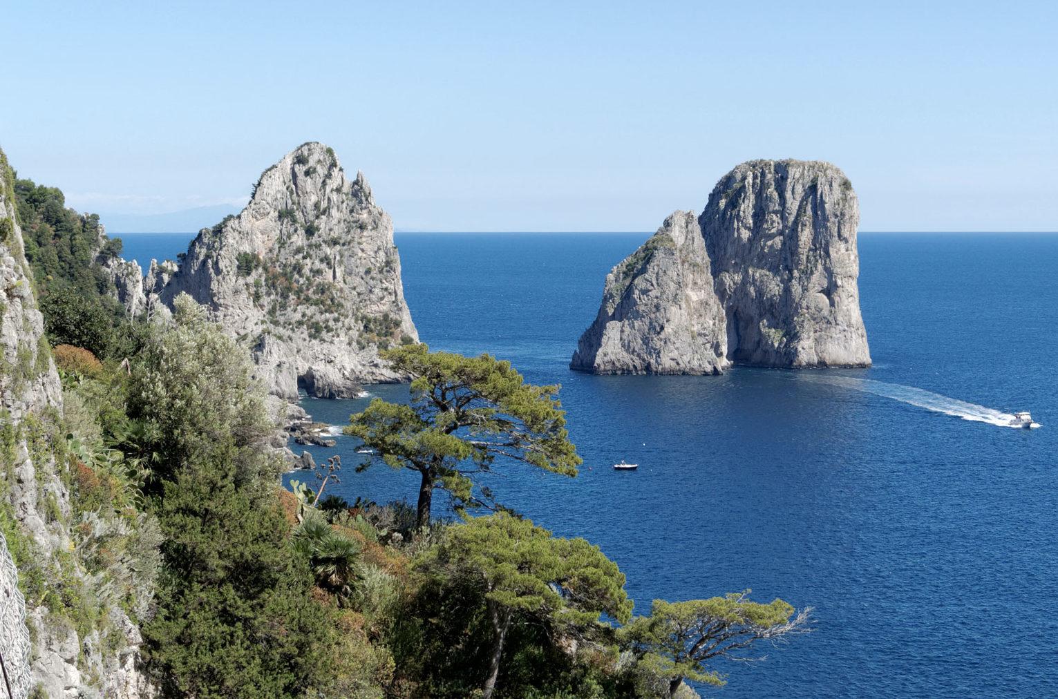 Romantic, seductive and irresistible: the Grand Tour of Capri!