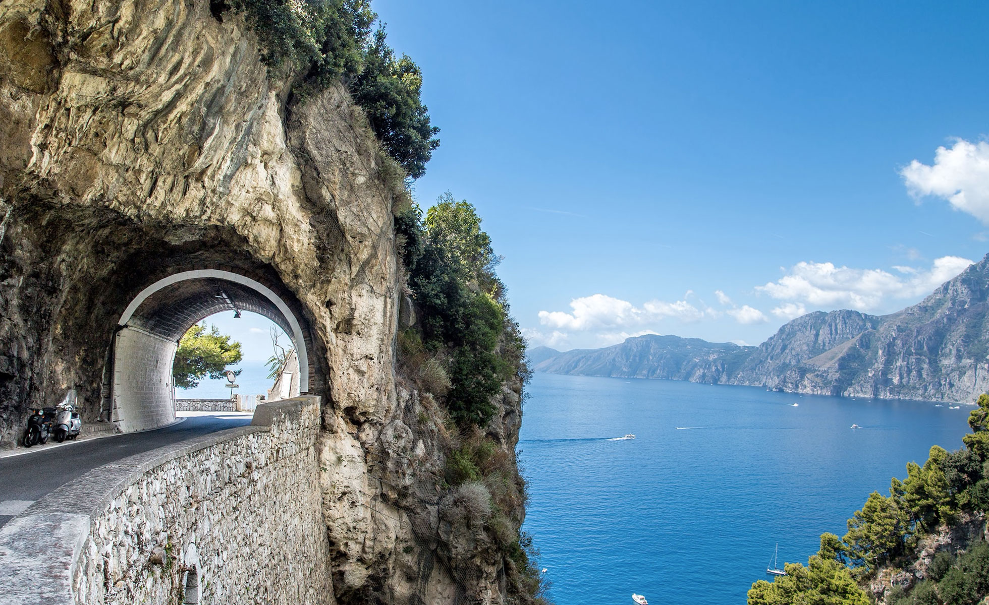 VISIT THE AMALFI COAST BY CAR!